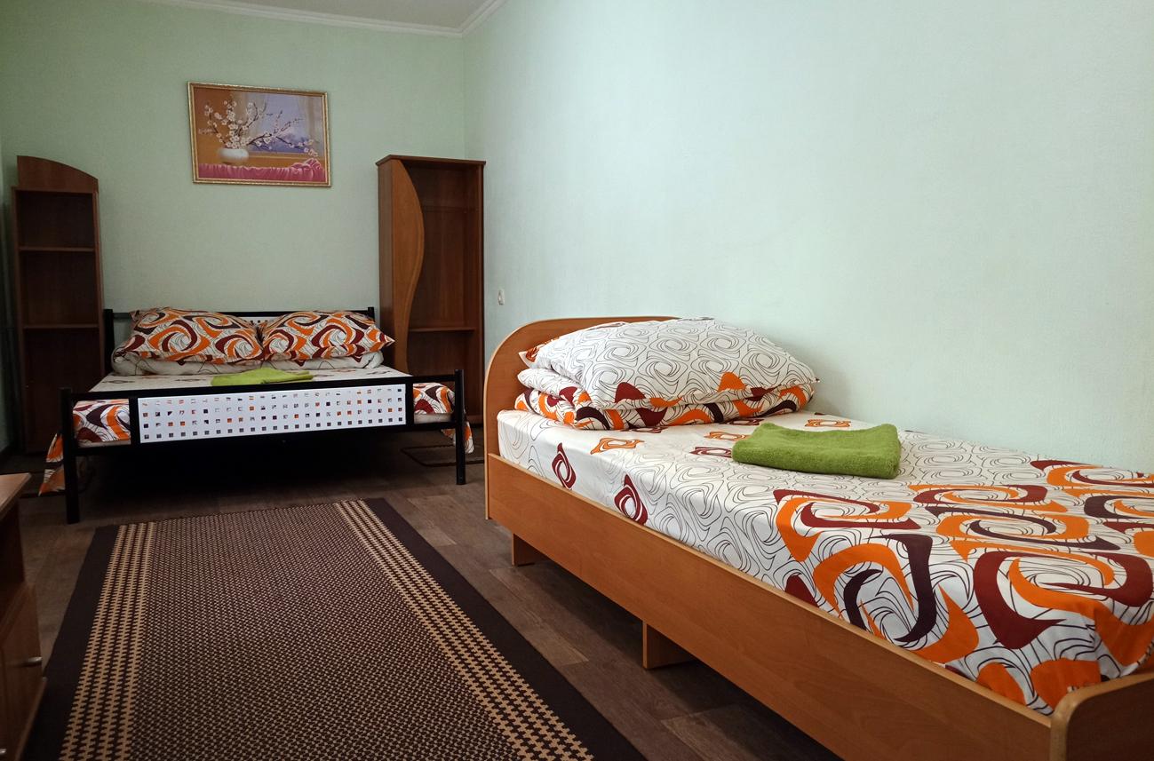 Трехместный стандарт в Smart Hotel